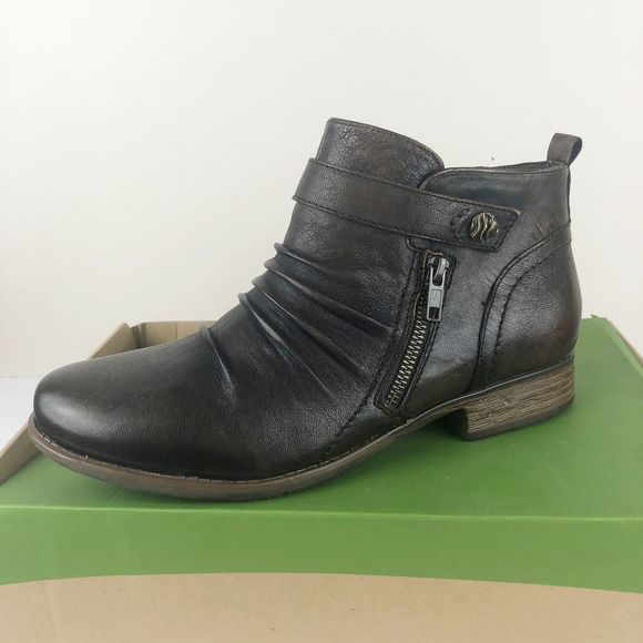 Brook Leather Side Zip Ankle Boots